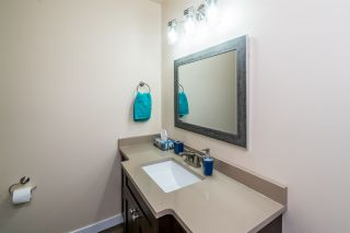 Photo 9: 4016 KNIGHT Crescent in Prince George: Emerald 1/2 Duplex for sale (PG City North (Zone 73))  : MLS®# R2411448