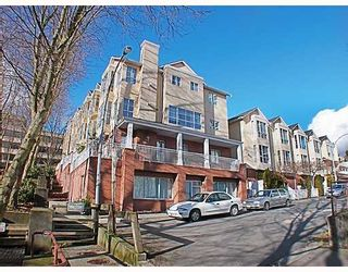 Photo 1: 404 624 AGNES Street in New_Westminster: Downtown NW Condo for sale (New Westminster)  : MLS®# V751563