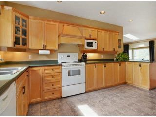 """Photo 9: 1366 LEE Street: White Rock House for sale in """"White rock"""" (South Surrey White Rock)  : MLS®# R2547473"""