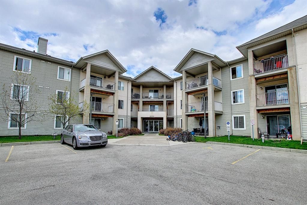 Main Photo: 203 2000 Citadel Meadow Point NW in Calgary: Citadel Apartment for sale : MLS®# A1103531