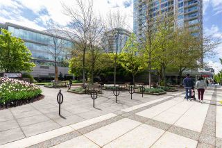 """Photo 18: 904 140 E 14TH Street in North Vancouver: Central Lonsdale Condo for sale in """"Springhill Place"""" : MLS®# R2452707"""