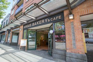"""Photo 16: 411 3638 W BROADWAY in Vancouver: Kitsilano Condo for sale in """"CORAL COURT"""" (Vancouver West)  : MLS®# R2461074"""