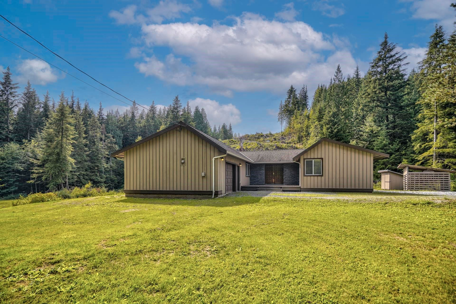 """Main Photo: 12439 AINSWORTH Street in Mission: Stave Falls House for sale in """"Steelhead"""" : MLS®# R2612943"""