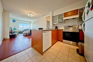 """Photo 3: 517 4078 KNIGHT Street in Vancouver: Knight Condo for sale in """"KING EDWARD VILLAGE"""" (Vancouver East)  : MLS®# R2620116"""