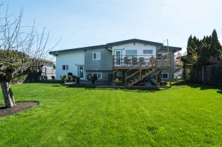 Photo 2: 6045 GLENMORE Drive in Sardis: Sardis West Vedder Rd House for sale : MLS®# R2280670