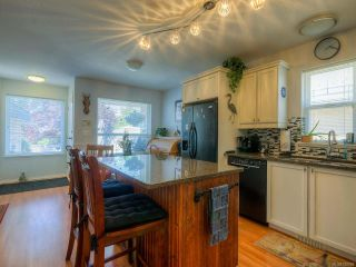 Photo 2: 857 Edgeware Ave in PARKSVILLE: PQ Parksville House for sale (Parksville/Qualicum)  : MLS®# 788969