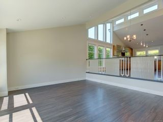 Photo 5: 3182 Wessex Close in : OB Henderson House for sale (Oak Bay)  : MLS®# 883456