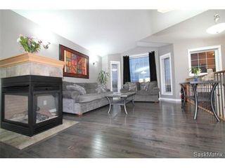 Photo 5: 355 Thode AVENUE in Saskatoon: Willowgrove Single Family Dwelling for sale (Saskatoon Area 01)  : MLS®# 460690