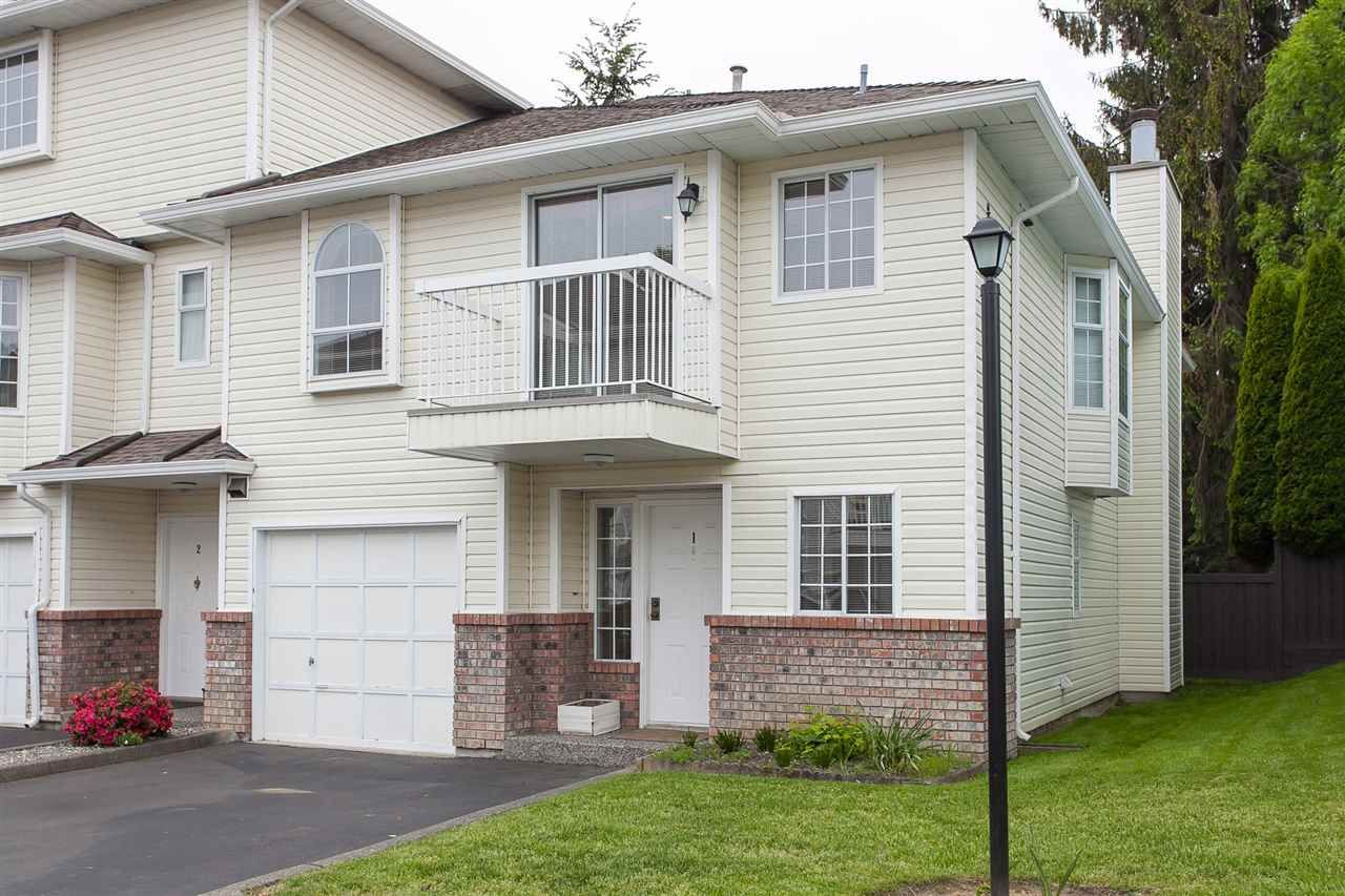 """Main Photo: 1 13982 72 Avenue in Surrey: East Newton Townhouse for sale in """"Upton Place"""" : MLS®# R2269958"""