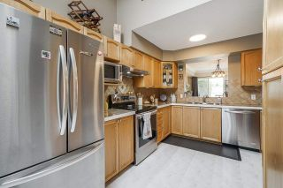 """Photo 9: 106 9045 WALNUT GROVE Drive in Langley: Walnut Grove Townhouse for sale in """"BRIDLEWOODS"""" : MLS®# R2573586"""
