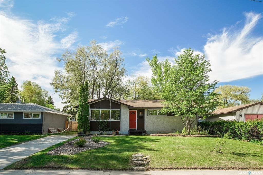 Main Photo: 20 Hardy Crescent in Saskatoon: Greystone Heights Residential for sale : MLS®# SK857049