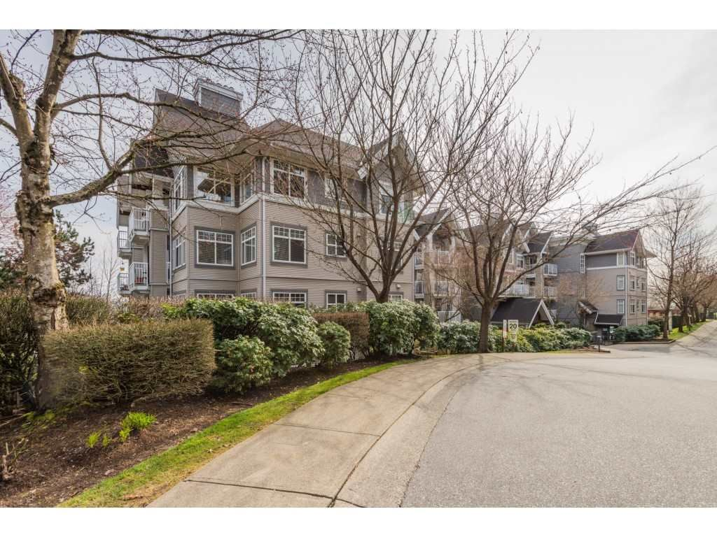 Main Photo: 404 1420 PARKWAY Boulevard in Coquitlam: Westwood Plateau Condo for sale : MLS®# R2553425