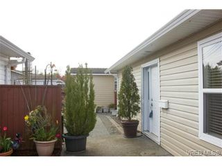 Photo 3: 41 7570 Tetayut Rd in SAANICHTON: CS Hawthorne Manufactured Home for sale (Central Saanich)  : MLS®# 707595