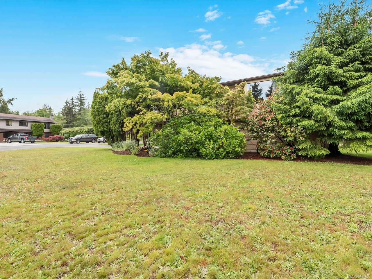Main Photo: 602 Pine Rd in CAMPBELL RIVER: CR Willow Point House for sale (Campbell River)  : MLS®# 842026