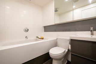 """Photo 11: 403 1529 W 6TH Avenue in Vancouver: False Creek Condo for sale in """"WSIX"""" (Vancouver West)  : MLS®# R2620601"""