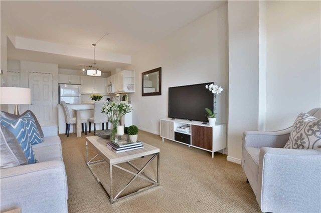 Photo 4: Photos: 301 600 E Eglinton Avenue in Toronto: Mount Pleasant East Condo for sale (Toronto C10)  : MLS®# C3815642