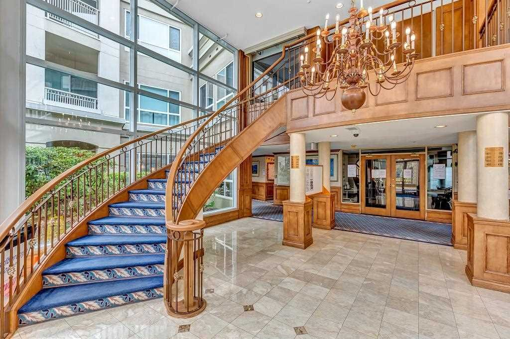 Main Photo: 103 3098 GUILDFORD Way in Coquitlam: North Coquitlam Condo for sale : MLS®# R2536430