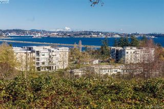 Photo 2: 404 3223 Selleck Way in VICTORIA: Co Lagoon Condo for sale (Colwood)  : MLS®# 835790