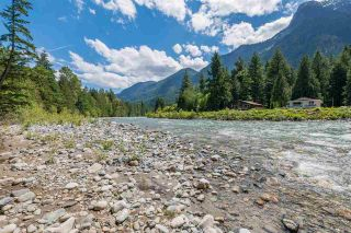 Photo 2: 65641 GARDNER Drive in Hope: Hope Kawkawa Lake House for sale : MLS®# R2377110
