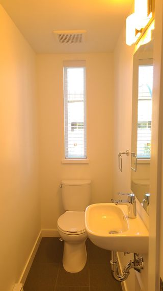 Photo 3: 23 13629 81A Avenue in Surrey: Bear Creek Green Timbers Townhouse for sale : MLS®# R2594320