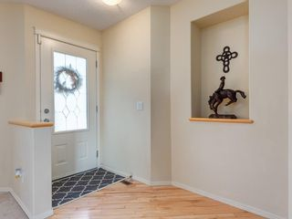 Photo 2: 139 WENTWORTH Circle SW in Calgary: West Springs Detached for sale : MLS®# C4215980