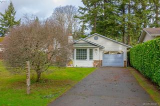Photo 2: 436 Tipton Ave in VICTORIA: Co Wishart South House for sale (Colwood)  : MLS®# 803370