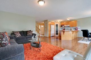Photo 2: 8 Cougarstone Cove SW in Calgary: House for sale : MLS®# C3622619