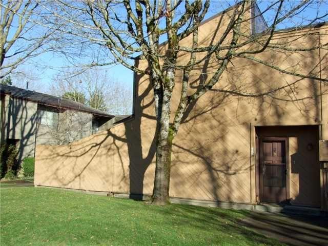 "Main Photo: 12 9280 GLENALLAN Drive in Richmond: Saunders Townhouse for sale in ""SHARON GARDENS"" : MLS®# V871644"