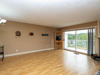 Photo 2: 914 Wendey Dr in Langford: La Walfred Half Duplex for sale : MLS®# 840588