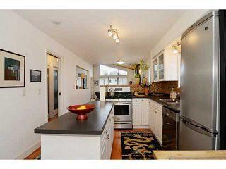 "Photo 3: 835 E 32ND Avenue in Vancouver: Fraser VE House for sale in ""FRASER"" (Vancouver East)  : MLS®# V1056460"