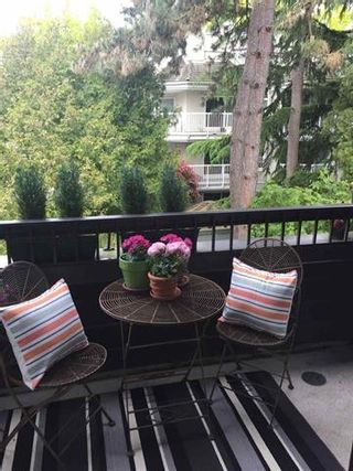 """Photo 5: 309 2255 W 8TH Avenue in Vancouver: Kitsilano Condo for sale in """"The West Wind"""" (Vancouver West)  : MLS®# R2167714"""