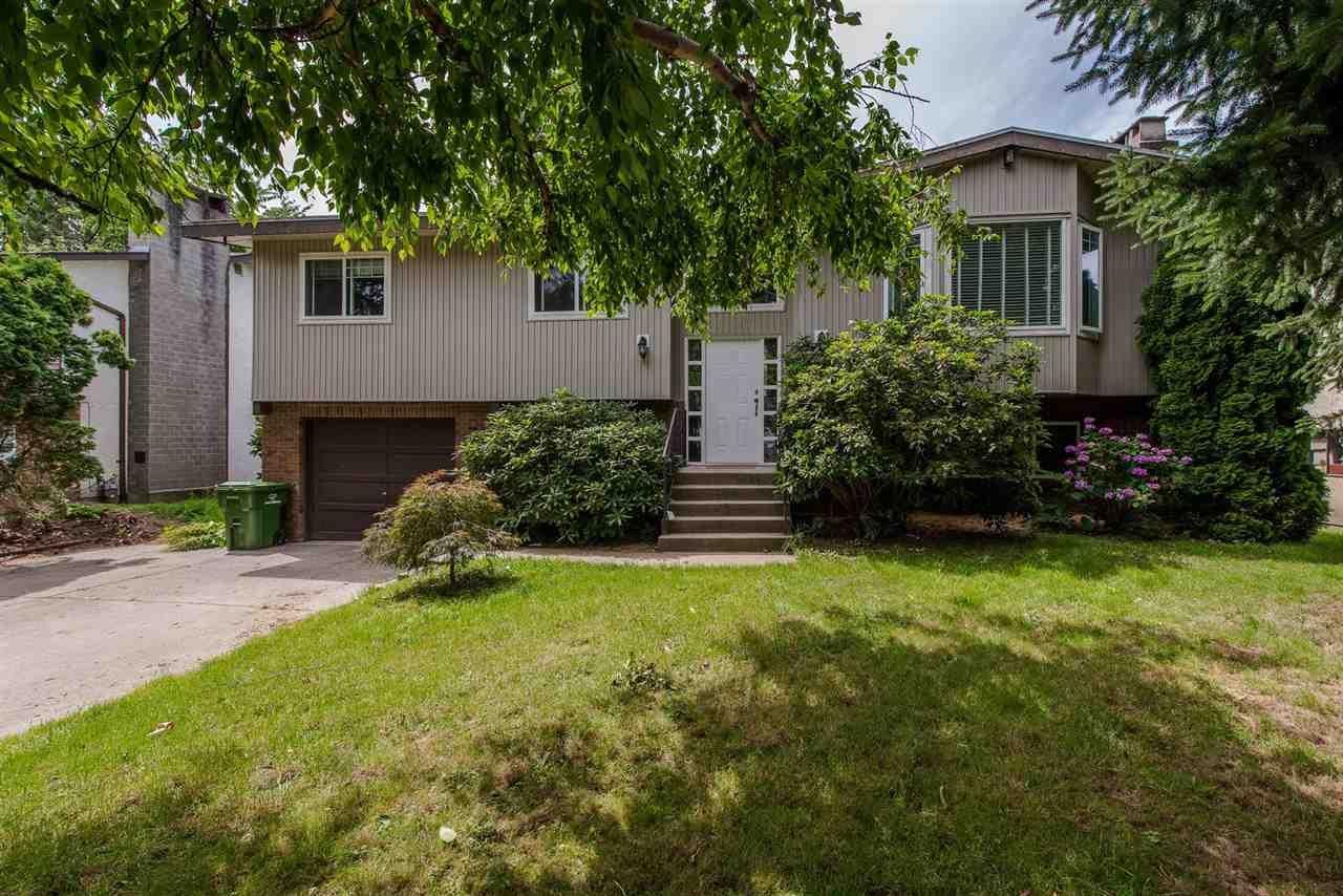Main Photo: 6323 SILVERTHORNE Road in Sardis: Sardis West Vedder Rd House for sale : MLS®# R2304291