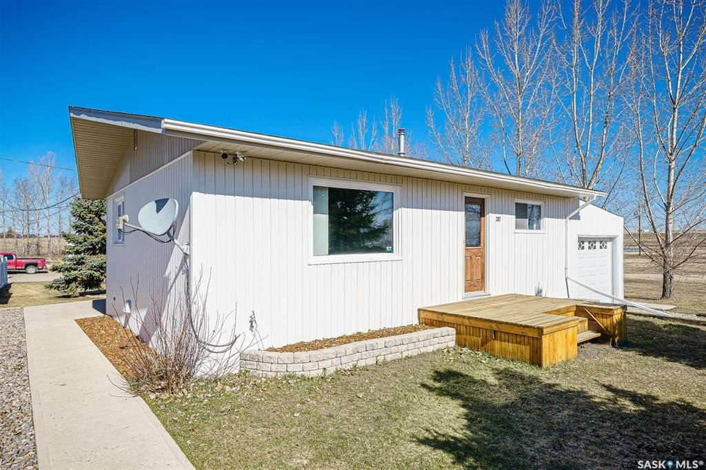 Photo 2: Photos: 207 Islay Street in Colonsay: Residential for sale : MLS®# SK851603