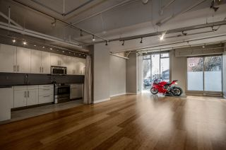 """Photo 2: 299 ALEXANDER Street in Vancouver: Hastings Condo for sale in """"THE EDGE"""" (Vancouver East)  : MLS®# R2126251"""