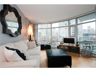 "Photo 2: 801 189 DAVIE Street in Vancouver: False Creek North Condo for sale in ""AQUARIUS III"" (Vancouver West)  : MLS®# V874620"