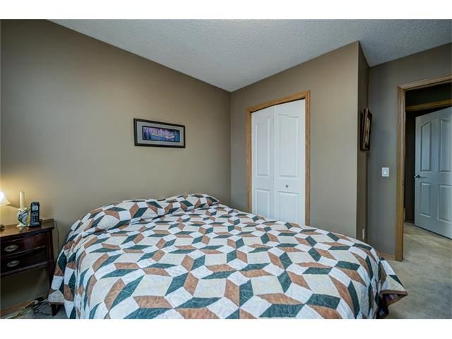 Photo 32: Photos: 137 COVE Court: Chestermere House for sale : MLS®# C4090938