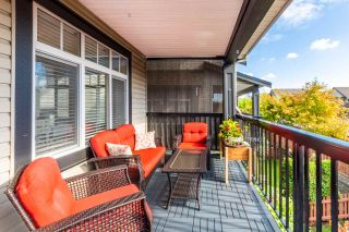 """Photo 8: 23 19448 68 Avenue in Surrey: Clayton Townhouse for sale in """"NUOVO"""" (Cloverdale)  : MLS®# R2413880"""