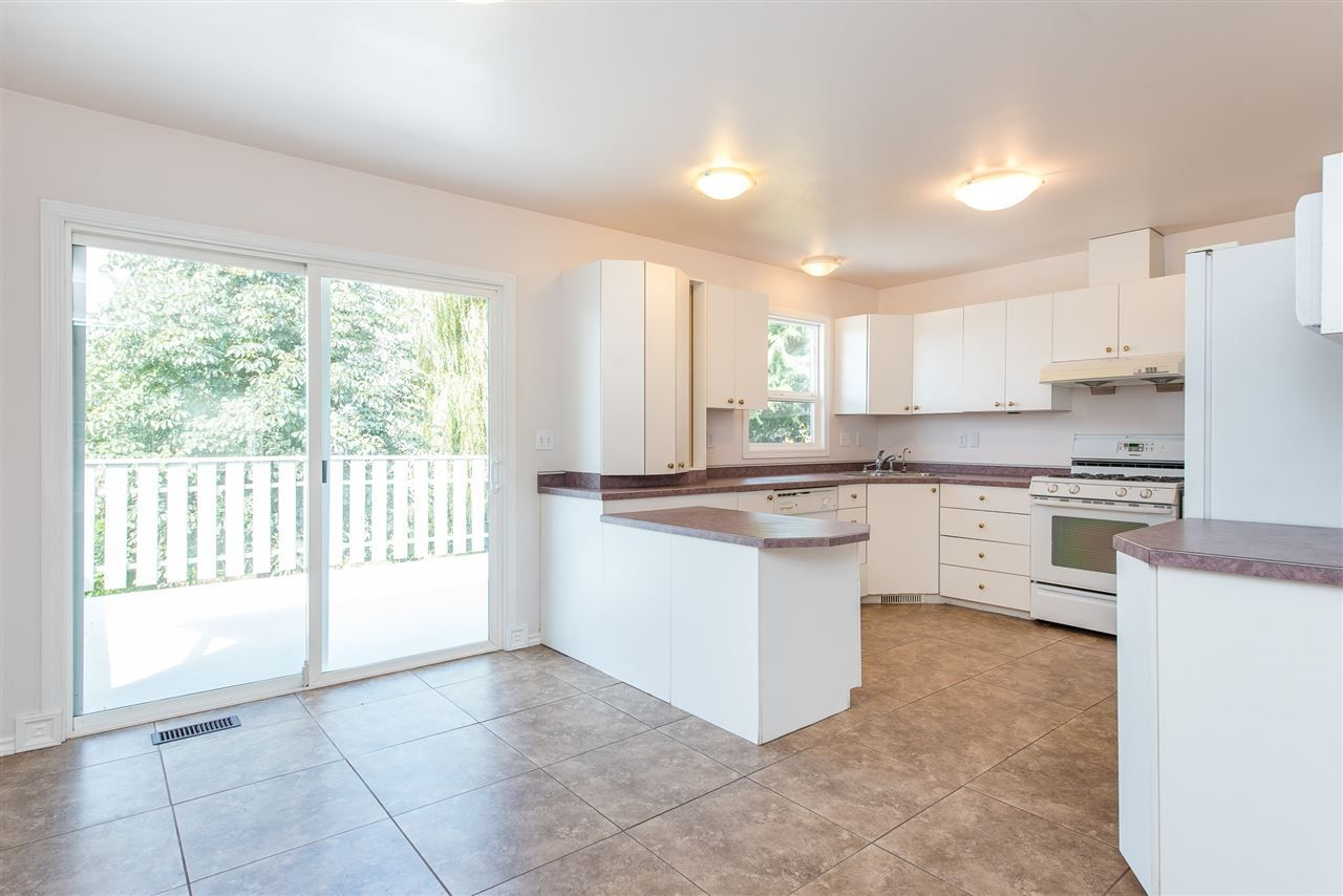 """Photo 9: Photos: 34717 5 Avenue in Abbotsford: Poplar House for sale in """"Huntingdon Village"""" : MLS®# R2483870"""