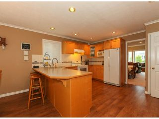 "Photo 8: 5238 GLEN ABBEY Place in Tsawwassen: Cliff Drive House for sale in ""IMPERIAL VILLAGE"" : MLS®# V1054011"