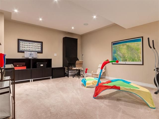 Photo 35: Photos: 40 COUGARSTONE Manor SW in Calgary: Cougar Ridge House for sale : MLS®# C4087798