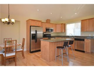 Photo 2: # 17 728 GIBSONS WY in Gibsons: Gibsons & Area Condo for sale (Sunshine Coast)  : MLS®# V909544