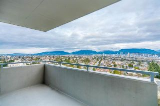 Photo 1: 1601 5652 Patterson in Burnaby: Condo for sale