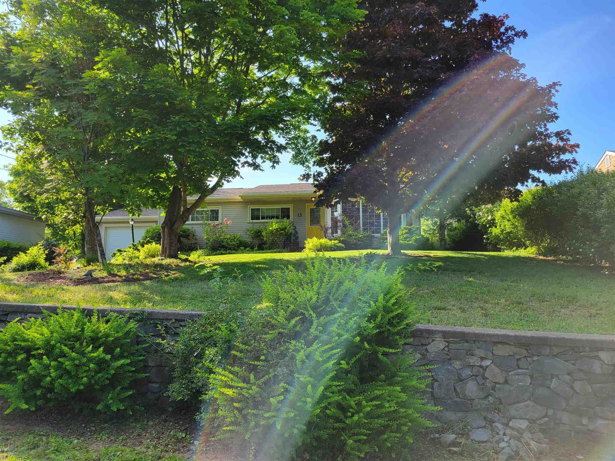 Main Photo: 15 Lynwood Drive in Rockingham: 5-Fairmount, Clayton Park, Rockingham Residential for sale (Halifax-Dartmouth)  : MLS®# 202117785
