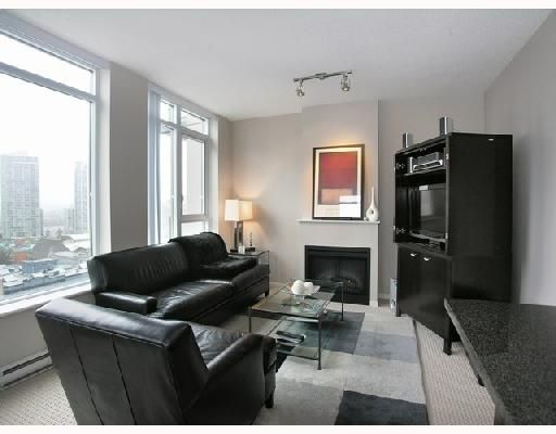 "Main Photo: 1103 1001 HOMER Street in Vancouver: Downtown VW Condo for sale in ""THE BENTLEY"" (Vancouver West)  : MLS®# V699236"