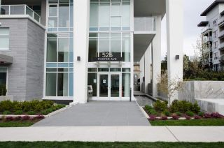"""Photo 2: 2306 525 FOSTER Avenue in Coquitlam: Coquitlam West Condo for sale in """"Lougheed Heights 2"""" : MLS®# R2464096"""