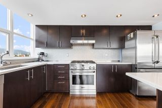 Photo 10: 1306 120 MILROSS Avenue in Vancouver: Downtown VE Condo for sale (Vancouver East)  : MLS®# R2574945
