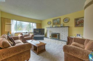 Photo 5: 4383 Majestic Dr in VICTORIA: SE Gordon Head House for sale (Saanich East)  : MLS®# 837692