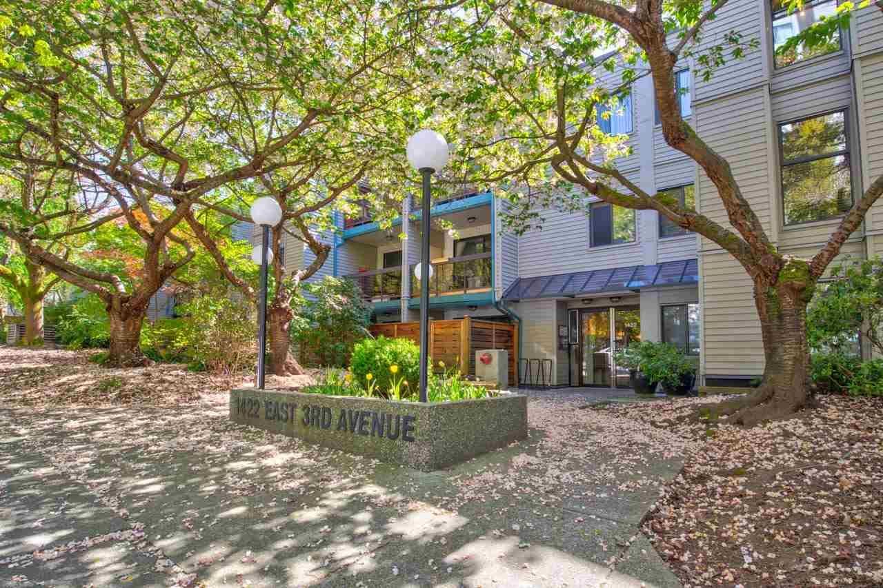 """Main Photo: 308 1422 E 3RD Avenue in Vancouver: Grandview Woodland Condo for sale in """"La Contessa"""" (Vancouver East)  : MLS®# R2570306"""