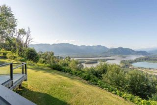 """Photo 1: 8492 HUCKLEBERRY Place in Chilliwack: Chilliwack Mountain House for sale in """"CHILLIWACK MOUNTAIN"""" : MLS®# R2476949"""