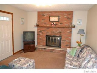 Photo 6: 707 Tobin Terrace in Saskatoon: Lawson Heights Single Family Dwelling for sale (Saskatoon Area 03)  : MLS®# 543284